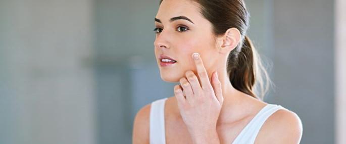 Les om ansiktspleie for fet hud